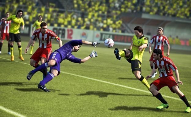 FIFA 12 wraca na czołowe miejsca w rankingach sprzedaży /Informacja prasowa