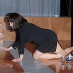 Figura szaleje na scenie