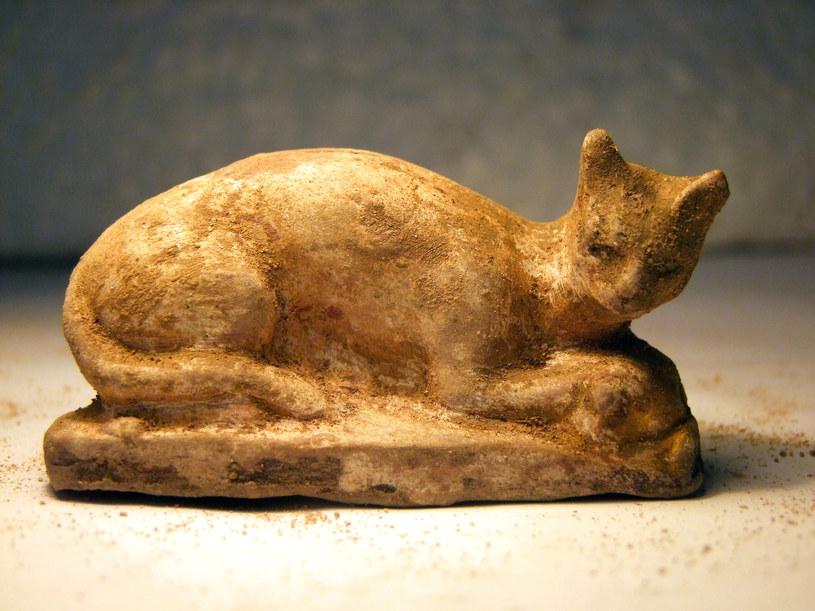 Figurka kota znajdująca się w muzeum w Aleksandrii /AFP