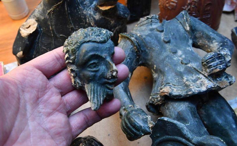 Figurka odnaleziona podczas prac archeologicznych na terenie Zakładu Karnego w Nowogardzie / Marcin Bielecki    /PAP