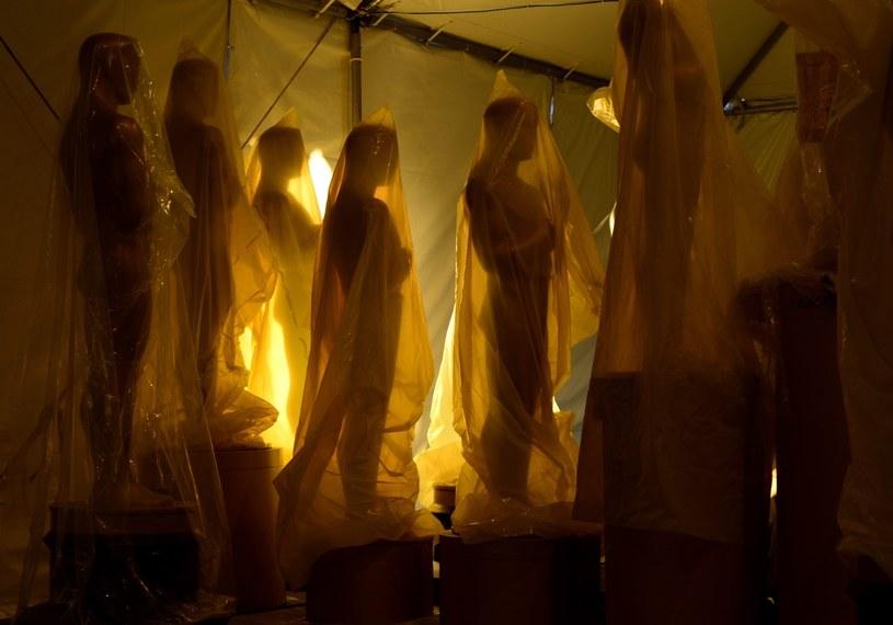 Figury Oscara, które czekają na rozpakowanie i rozstawienie w Dolby Theater w Hollywood. /PAUL BUCK  /PAP/EPA