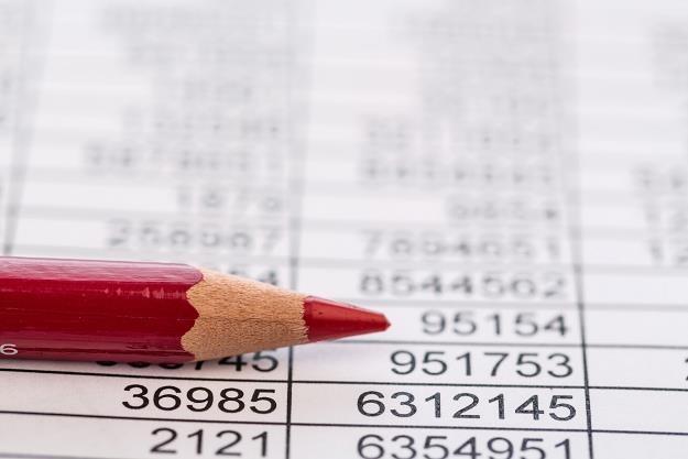 Fikcyjne faktury uszczuplaja dochody państwa /©123RF/PICSEL