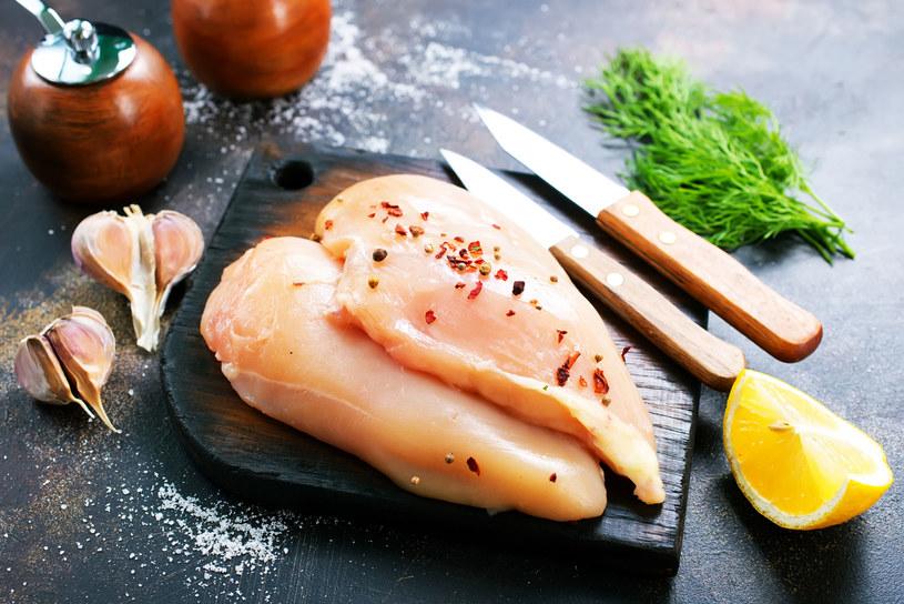 Filet z kurczaka dostarcza sporo pełnowartościowego białka /123RF/PICSEL