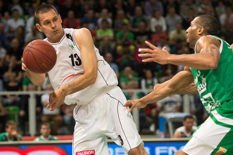 Filip Dylewicz (z lewej) i Quinton Hosley /Fot. Maciej Kulczyński /PAP