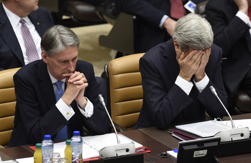 Filip Hammond i John Kerry /AFP