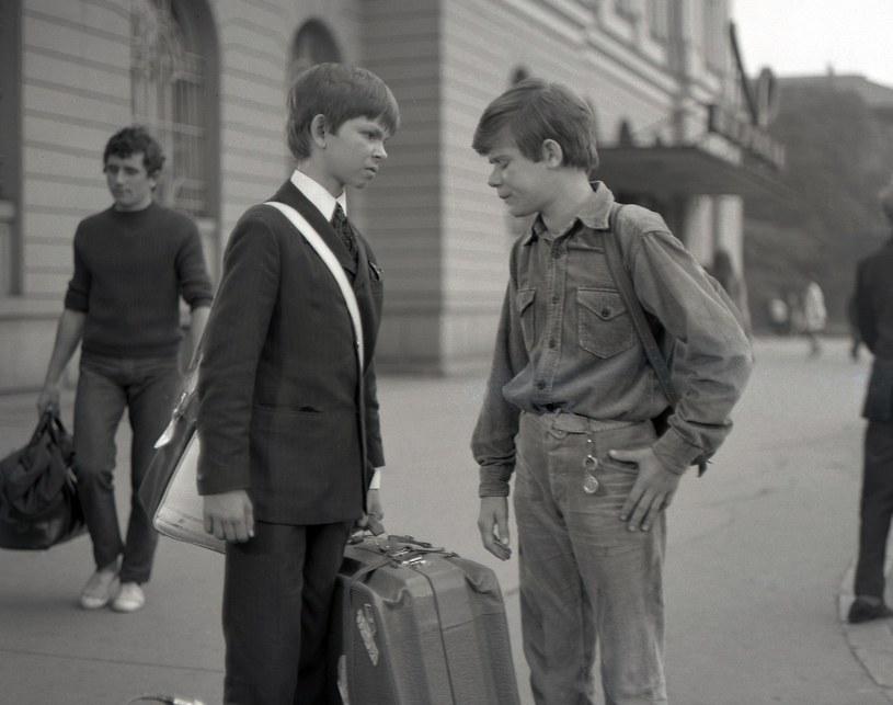 """Filip Łobodziński (L) i Henryk Gołębiewski (P) na planie """"Podróży za jeden uśmiech"""" /East News/POLFILM"""