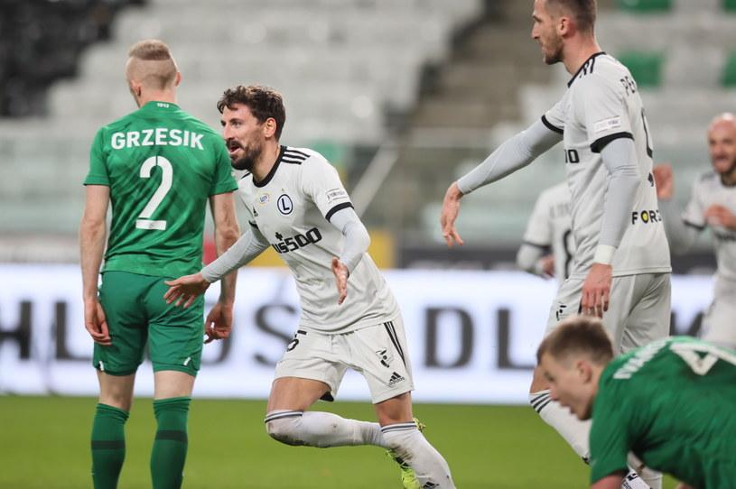 Filip Mladenović zagrał bardzo dobrze. Dwa razy mógł się cieszyć z bramki /PAP/Leszek Szymański /PAP