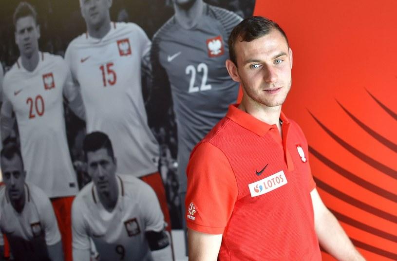 Filip Starzyński w bazie Polaków w La Baule, podczas Euro 2016. /AFP