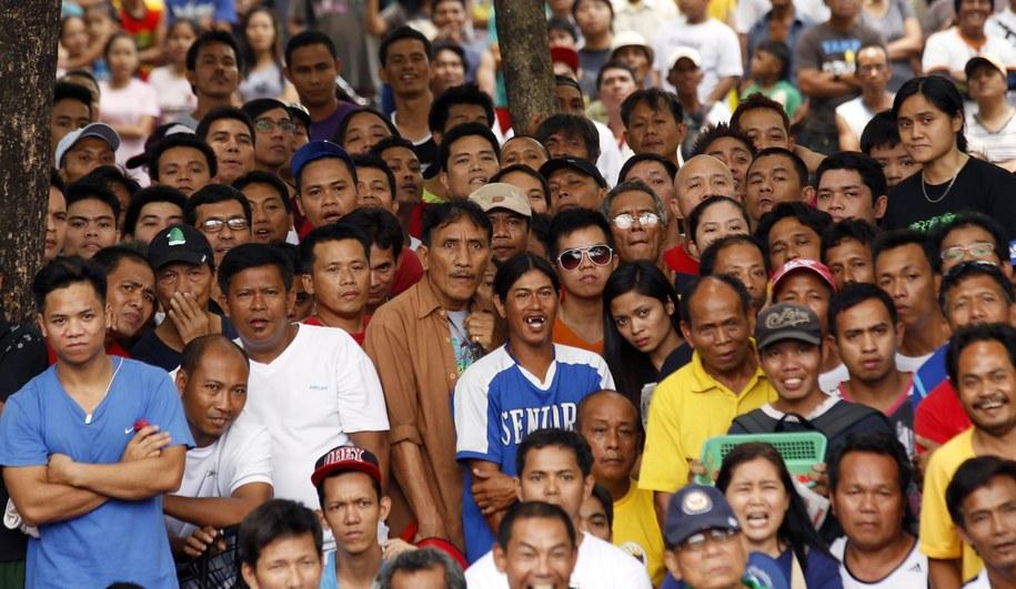 Filipińczycy kibicują swojemu zawodnikowi /FRANCIS R. MALASIG /PAP/EPA