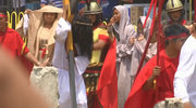 Filipińczycy obchodzą Wielki Piątek łącząc gorliwy katolicyzm z lokalnymi wierzeniami