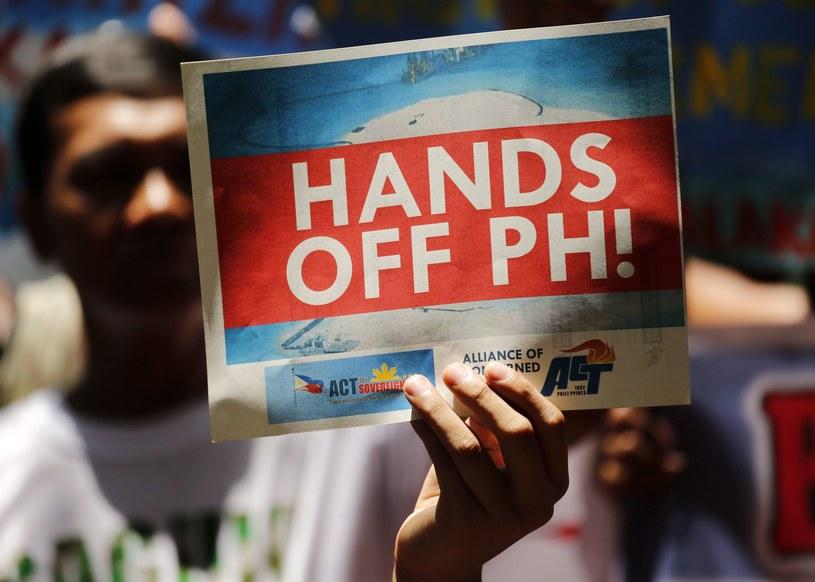Filipiński protest przeciwko terytorialnym roszczeniom Chin /FRANCIS R. MALASIG /PAP/EPA