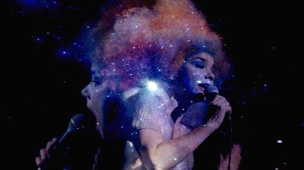 """Film """"Björk: Biophilia Live"""" był już pokazywany w lipcu we Wrocałwiu. Teraz zobaczy go reszta Polski /materiały prasowe"""