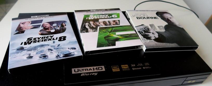 Film w formacie 4K Blu-ray oferuje najlepszą z możliwych jakość obrazu Ultra HD. Na zdjęciu odtwarzacz Sony UBP-X800 z filmami z dystrybucji Filmostrady /INTERIA.PL
