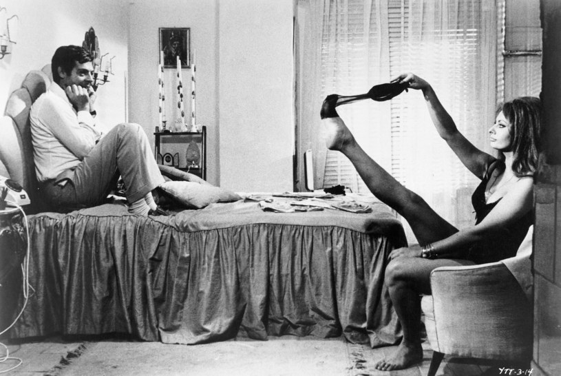Film ze słynną sceną striptizu Sophii Loren ma 75 lat /East News