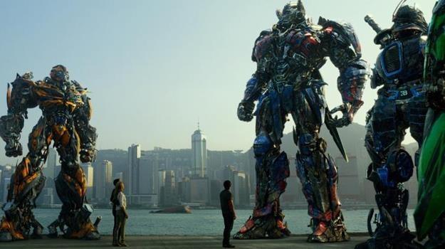 """Filmowym wydarzeniem tegorocznych świąt będzie premiera filmu """"Transformers: Wiek zagłady"""" /materiały prasowe"""