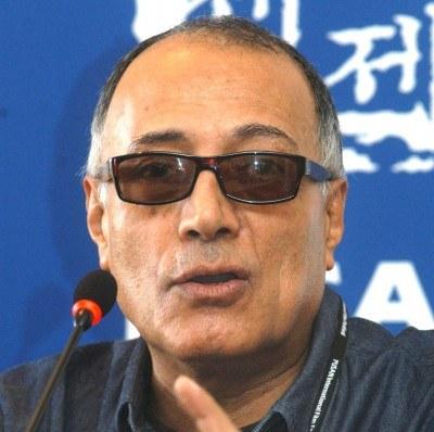 Filmy irańskiego reżysera Abbasa Kiarostamiego znane są na całym świecie /AFP