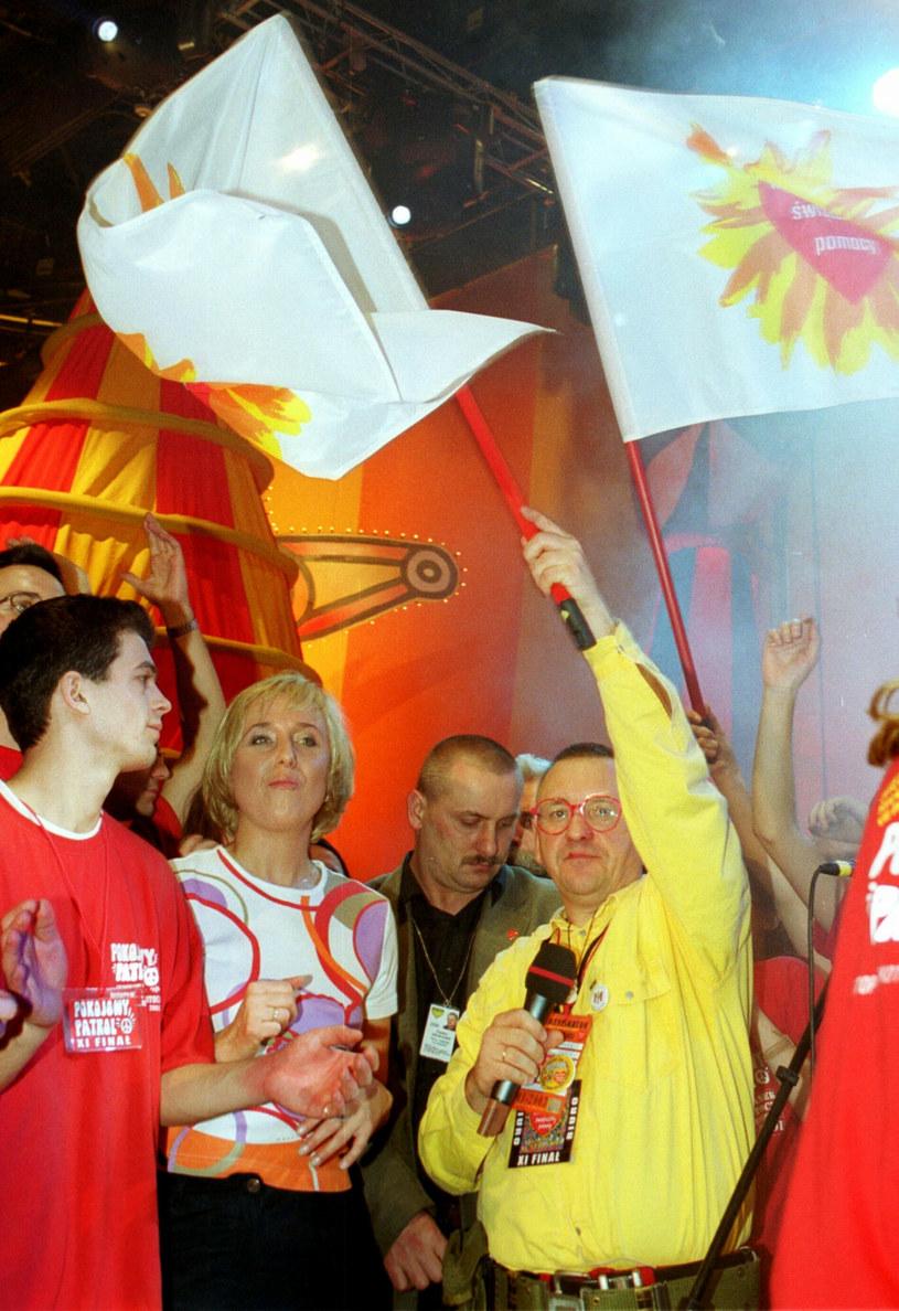 Finał WOŚP w 2002 roku /Wojciech Grzedzinski/REPORTER /East News