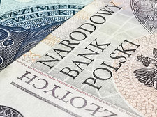 Finanse publiczne bronią się przed destabilizacją
