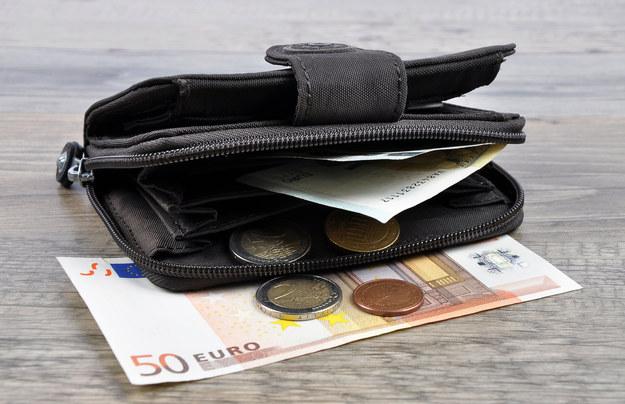 Finowie nie będą dalej badać dochodu gwarantowanego /123RF/PICSEL