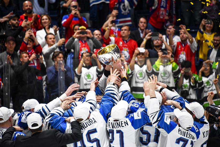 Finowie pokonali w Bratysławie Kanadyjczyków /CHRISTIAN BRUNA /PAP/EPA