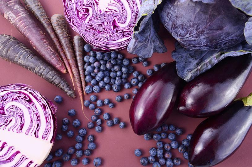 Fioletowe warzywa i owoce są bogate w antocyjany /123RF/PICSEL