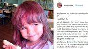 Fioletowe włosy dwulatki