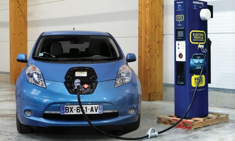 Firm Nissan i Endesa chcą, aby samochody elektryczne mogły zasilać mieszkania. /Connected Life