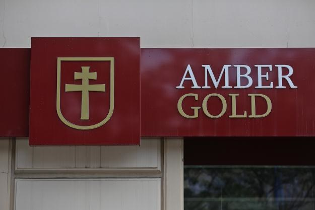 Firma Amber Gold prała brudne pieniądze? /PAP