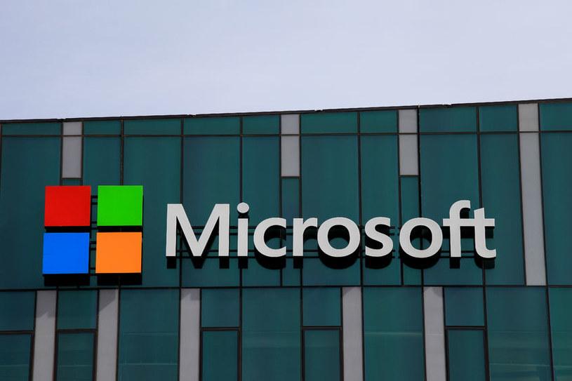 Firma Microsoft przestrzega przed telefonami z żądaniem opłaty za rzekomą pomoc techniczną od osób, które podają się za jej pracowników lub partnerów /123RF/PICSEL