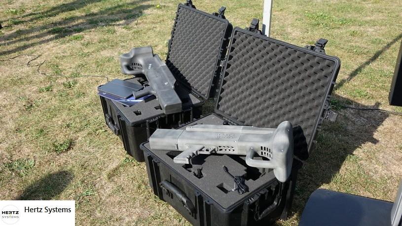 Firma oferuje ręczne neutralizatory dronów / fot. Hertz Systems/Facebook /materiały prasowe