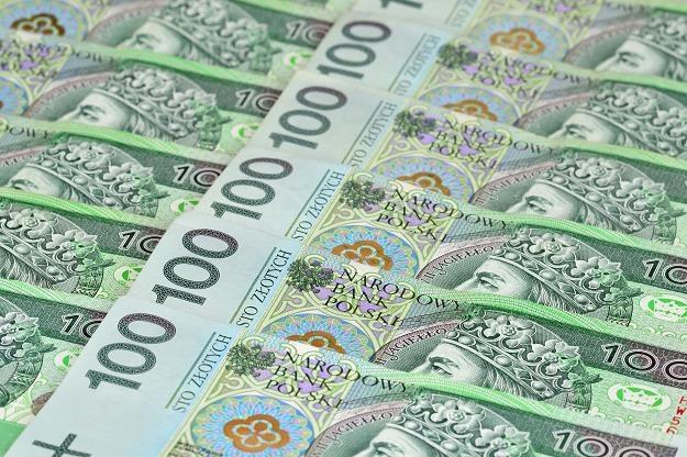 Firmy będą podwyższać pensje? /©123RF/PICSEL