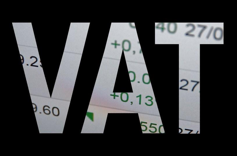 Firmy chcą uwolnić pieniądze z rachunków VAT /123RF/PICSEL