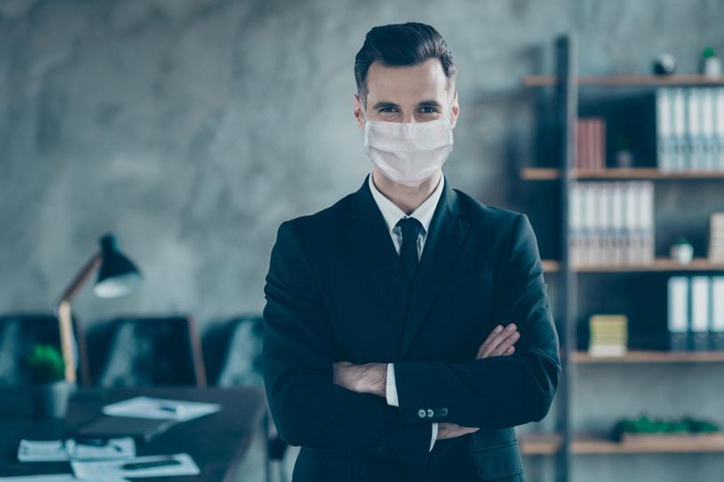 Firmy muszą umieć żyć z koronawirusem /123RF/PICSEL