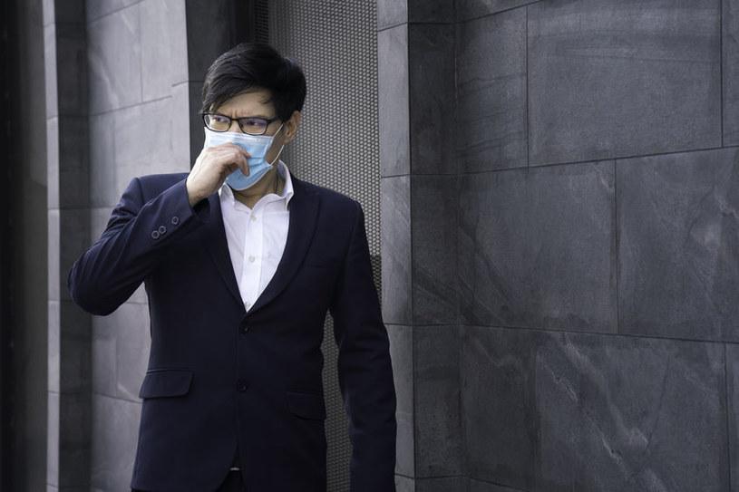 Firmy obawiają się trzeciej fali pandemii /123RF/PICSEL