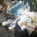 Firmy petrochemiczne zalewają świat plastikiem