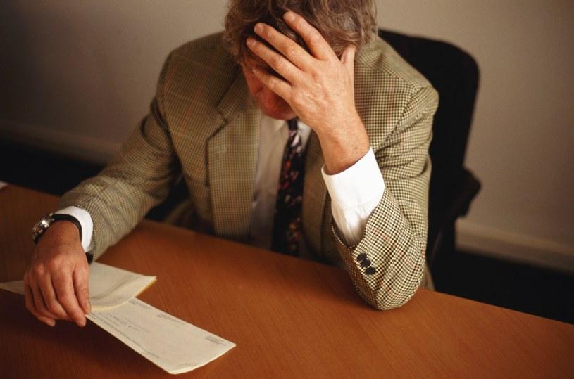 Firmy wiążą zatrudnionych oświadczeniami zezwalającymi na zajęcie majątku /© Bauer