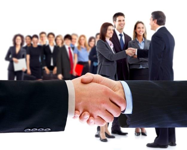 Firmy wolą leasingować pracowników niż zatrudniać /123RF/PICSEL