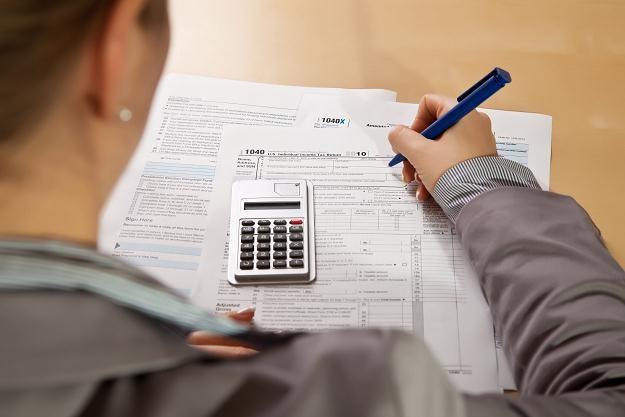 Fiskus pilnuje terminu płatności za podatek /©123RF/PICSEL