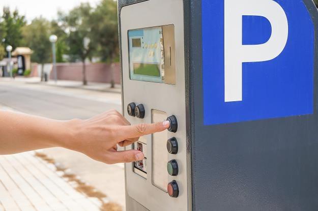 Fiskus spawdza odliczenia VAT na auta użyte do celów prywatnych /©123RF/PICSEL