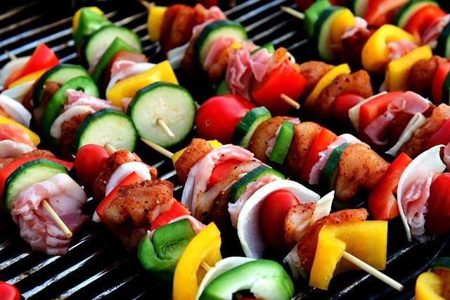 fit grill - jak urządzić zdrowego grilla /materiały prasowe