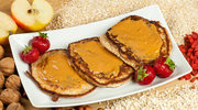 Fit kuchnia: Racuchy z masłem orzechowym