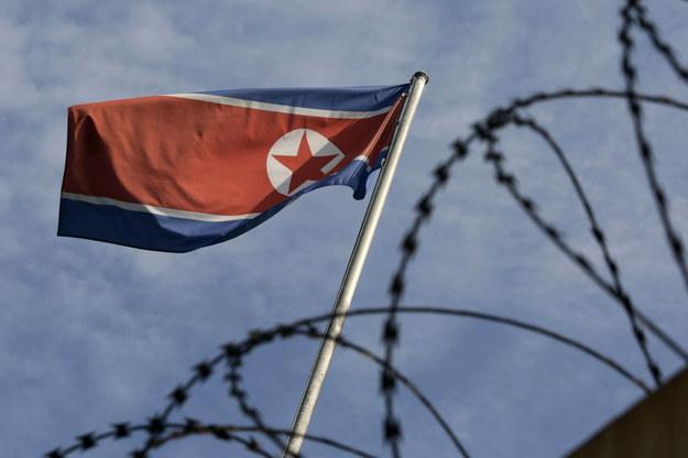 Flaga Korei Północnej / AHMAD YUSNI    /PAP/EPA