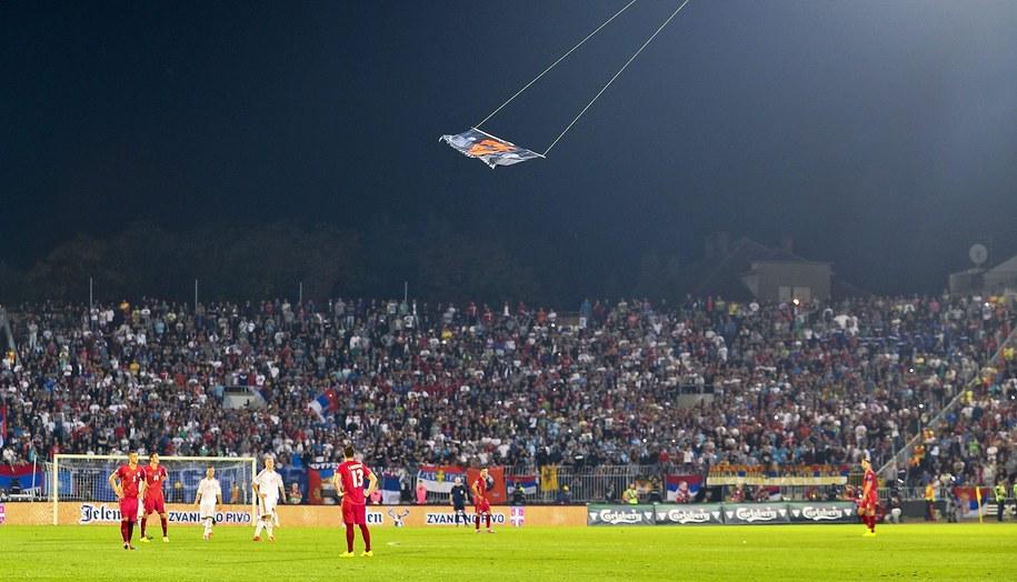 Flaga nad stadionem w Belgradzie /SRDJAN SUKI /PAP/EPA