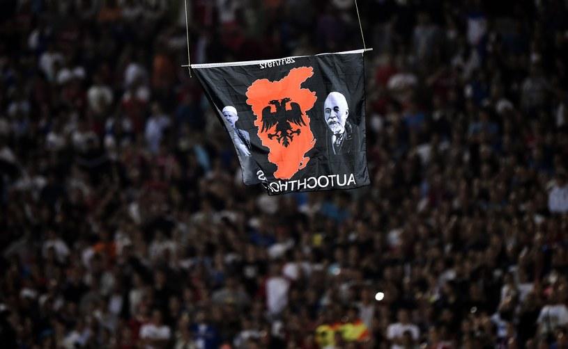 Flaga nad stadionem wywołała burzę /AFP