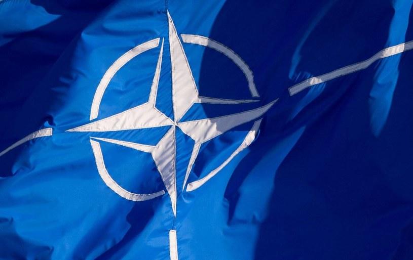 Flaga NATO /DPA/Daniel Naupold    /PAP/EPA
