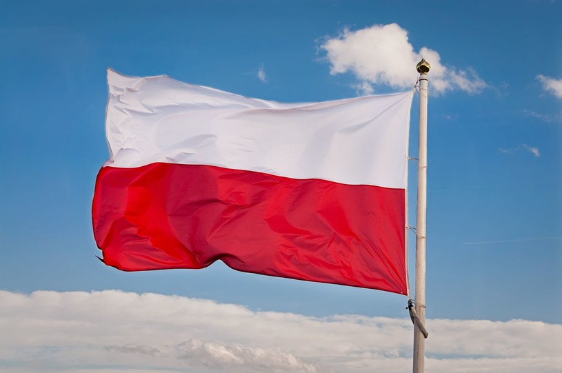 Flaga Polski /123RF/PICSEL