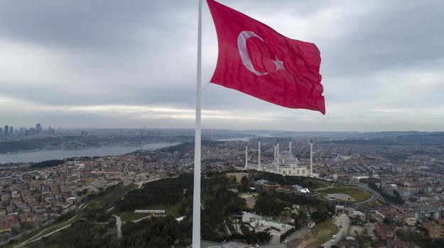 Flaga Turcji /ERDEM SAHIN /PAP/EPA