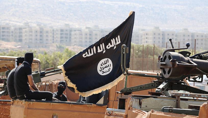 Flaga tzw. Państwa Islamskiego (IS) /Dabiq/Planet Pix via ZUMA Wire /Agencja FORUM