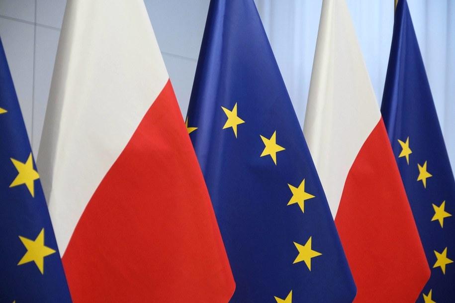 Flagi Polski i Unii Europejskiej /Mateusz Marek /PAP