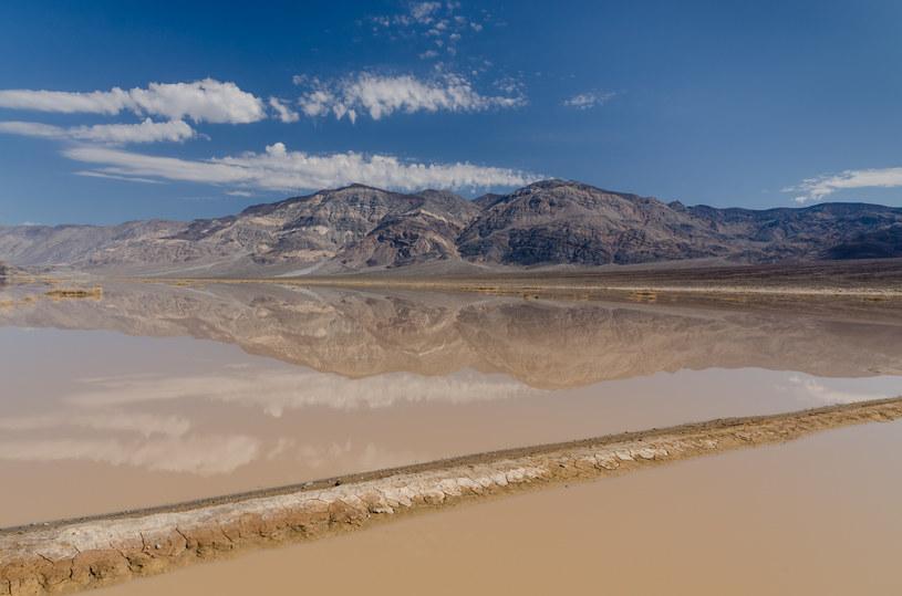 """""""Flash flood"""", czyli błyskawiczna powódź w Dolinie Śmierci /Wikimedia Commons /domena publiczna"""
